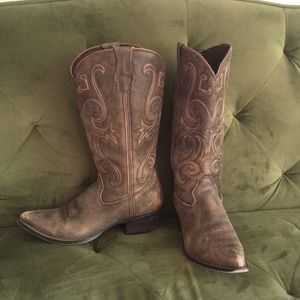 "Durango 13"" Distressed Cowgirl boots 
